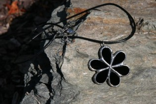 jewel flower black - Tiffany jewelry