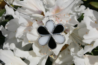 jewel flower white and black - Tiffany jewelry