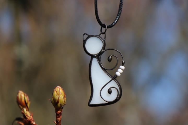 white cat - Tiffany jewelry